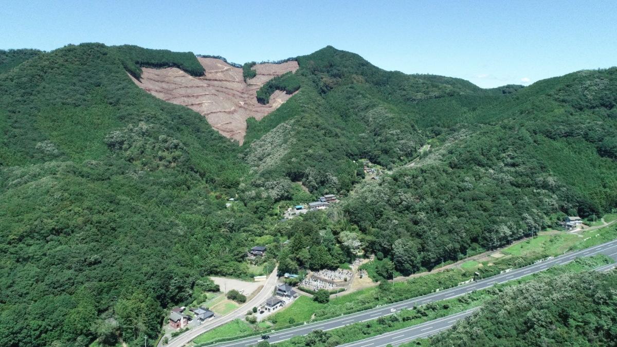 日本三佛毘沙門天 大岩山全景
