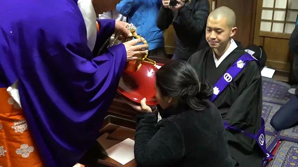 日本の奇祭・滝流しの式