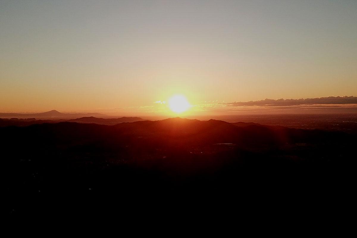 大岩山からの日の出