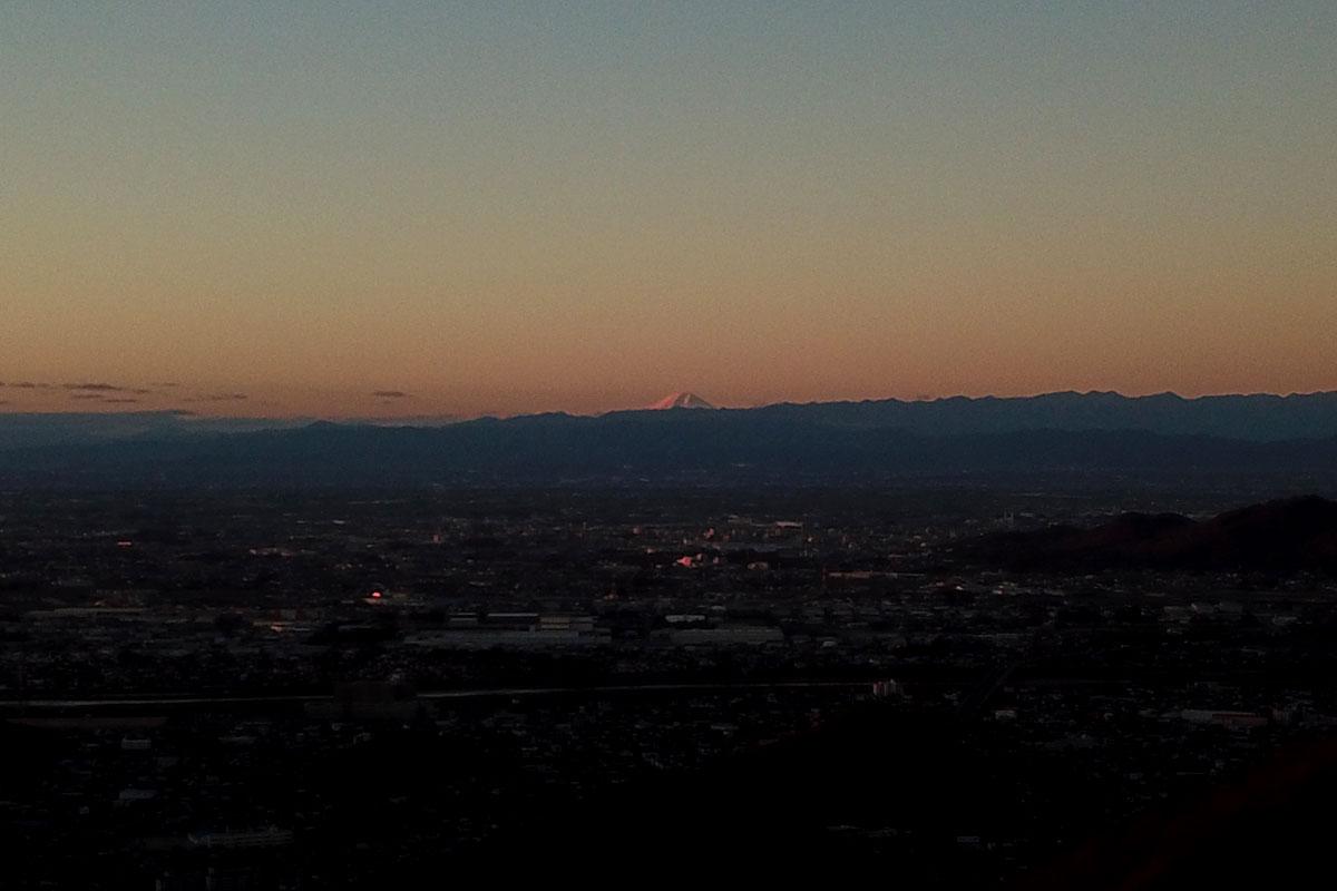 大岩山からの朝日・足利市内・富士山
